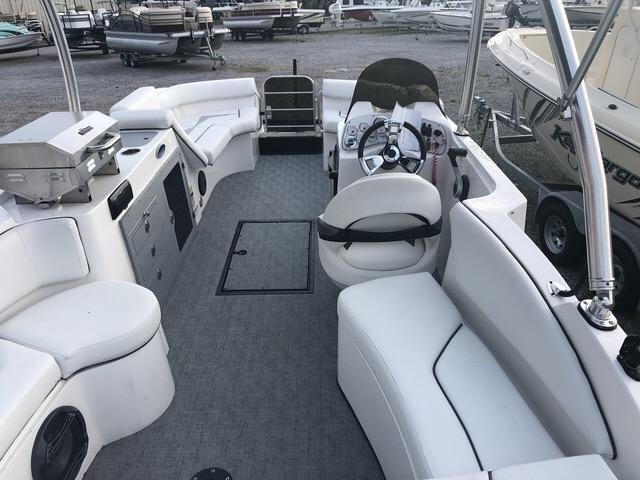 2018 Caravelle Boat Group Razor 219UULTD