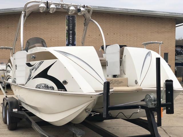 2015 Caravelle Boat Group Razor 237UR ELITE