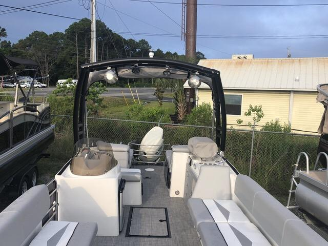 2018 Caravelle Boat Group Razor 247UR ETOON