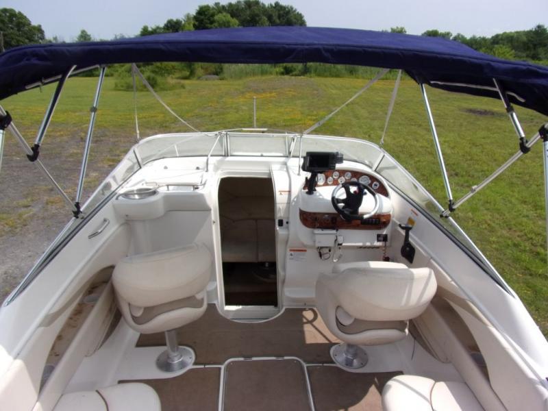 2005 Larson Ind Larson 220 CUDDY