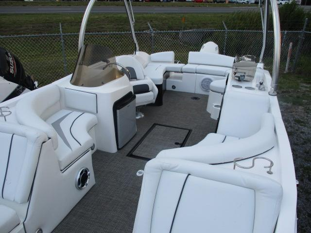 2017 Caravelle Boat Group Razor 237UU ETOON
