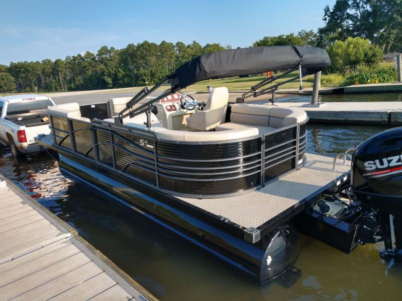 2020 International Pontoon Corporation Lexington 521