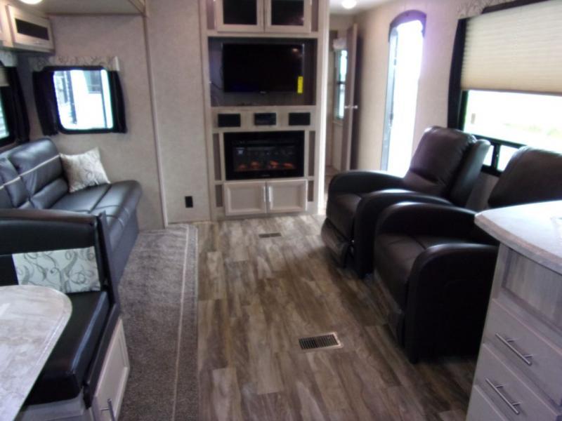 2020 Coachmen Catalina 303RK