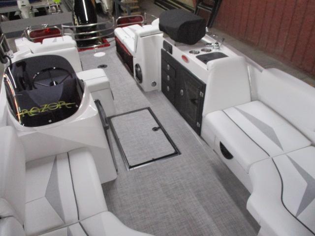 2019 Caravelle Boat Group Razor 219UR