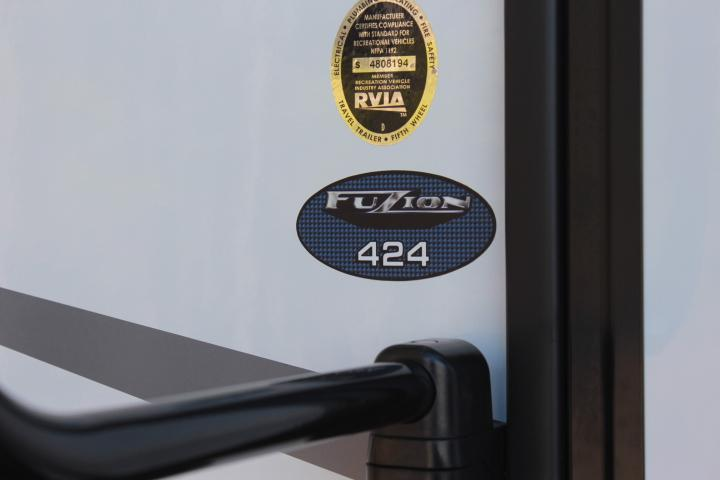 2018 Keystone Rv Company Fuzion 424