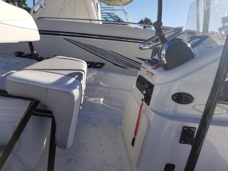 2018 Caravelle Boat Group Key Largo 168 BAY