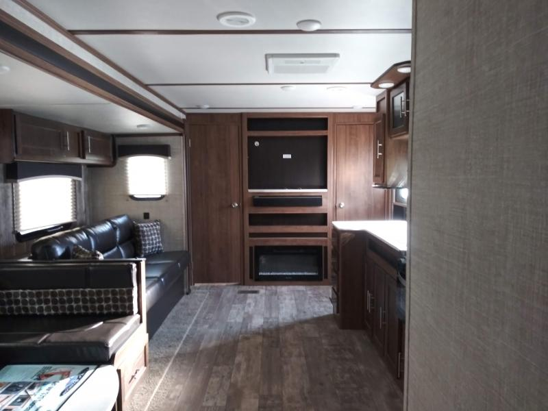 2019 Gulf Stream Coach Conquest 323TBR