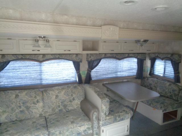 2005 Coachmen Chaparral 275RLS