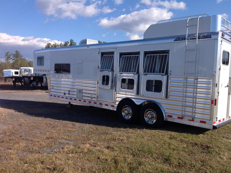 2018 Elite Trailers MUSTANG Horse Trailer