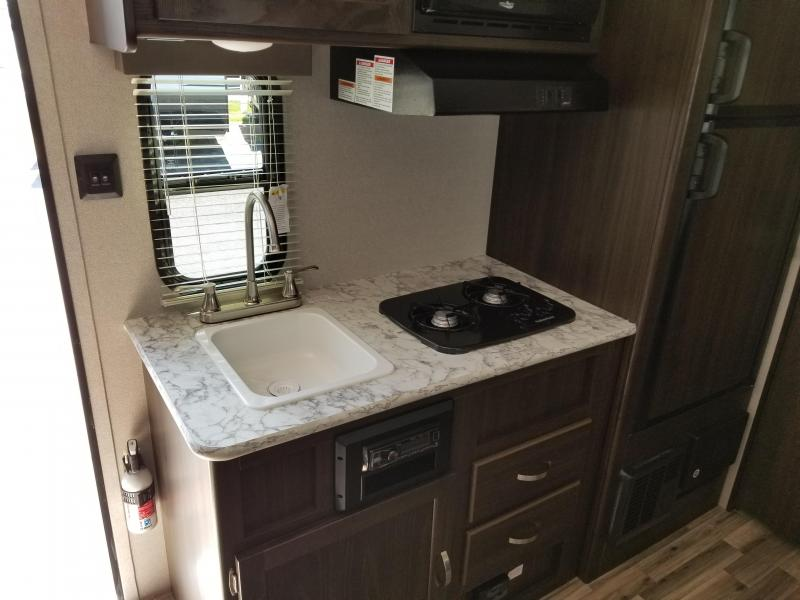 2019 Keystone RV Summerland Mini 1790fq Travel Trailer