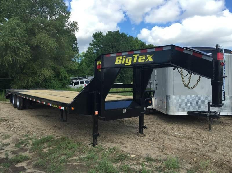 2017 Big Tex 22GN Equipment Trailer