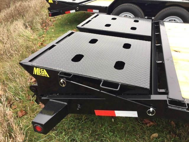 2017 Big Tex 14ET-20 Equipment Trailer w/ Mega Ramps