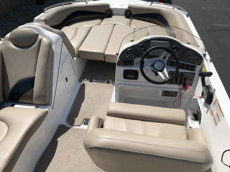 2016 Hurricane Boats SS202 I/O Power Boat