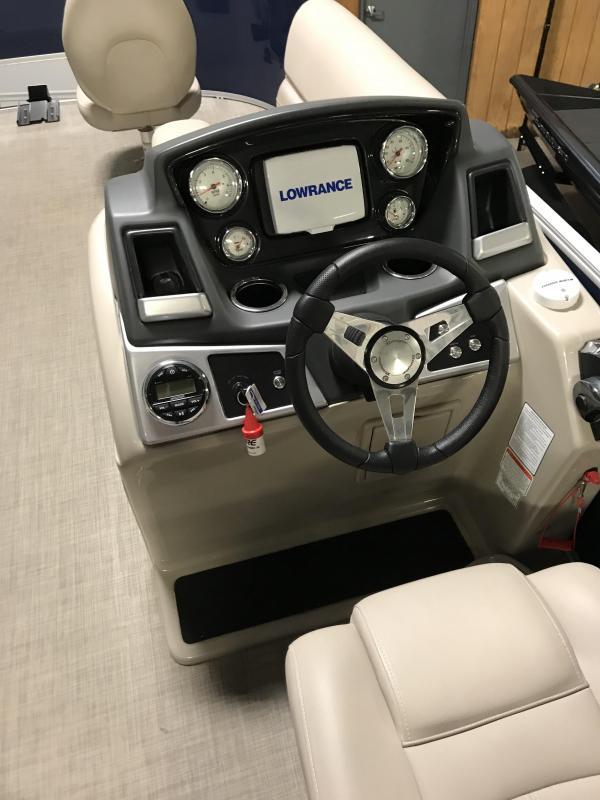 2018 Ranger REATA RP200F Pontoon Boat