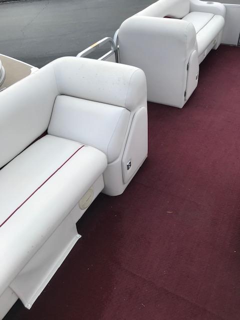 2000 Sweetwater Pontoon Boats SW2221R Pontoon Boat