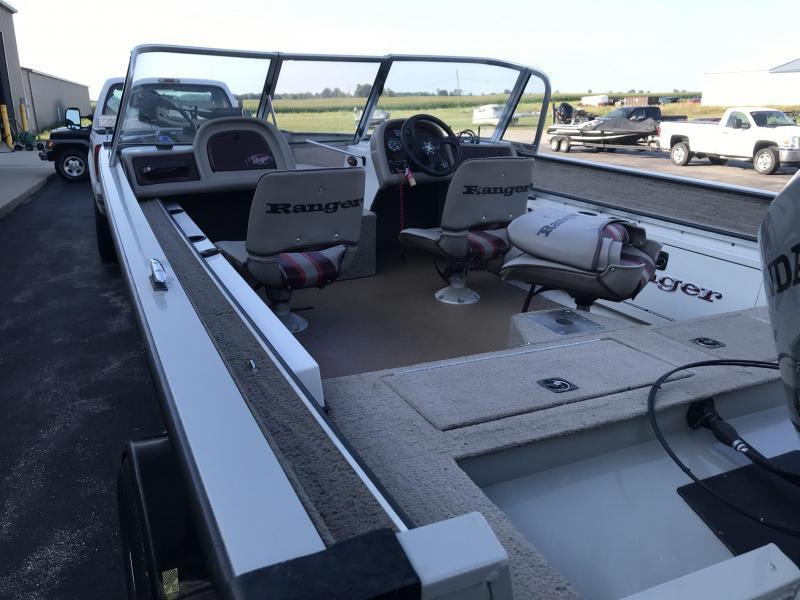 2001 Ranger CHEROKEE 218W Pontoon Boat