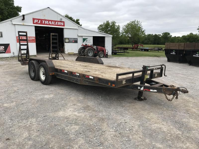2004 PJ Trailers CC Equipment Trailer