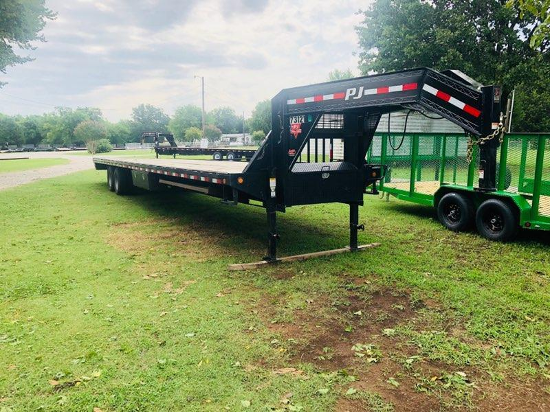 "2018 PJ Trailers FD 40' x 102"" Flatbed Hot Shot Trailer"