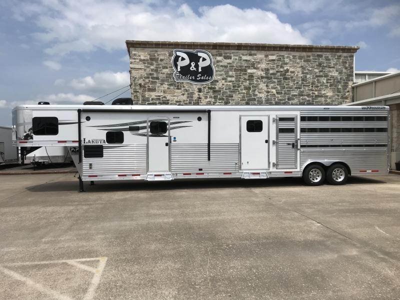 2020 Lakota LE81415BB 35' Livestock Trailer LQ in Ashburn, VA