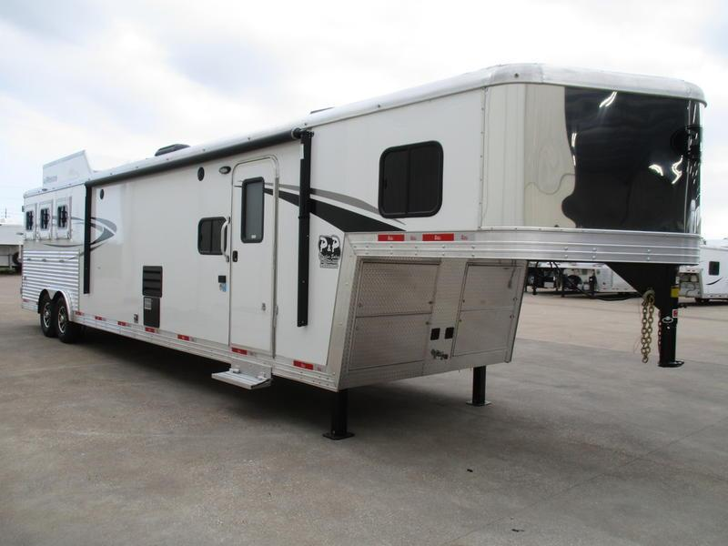2018 Bison Silverado 8316SVSS 3 Horse 16' Short Wall with 12' Slide-out