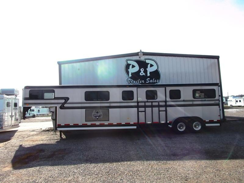 2001 Hawk 4 Horse head to head