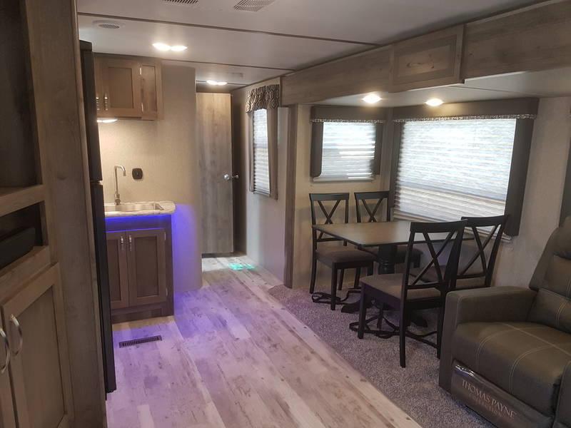 2018 Keystone Sprinter Campfire 30FL 34.09' Travel Trailer LQ