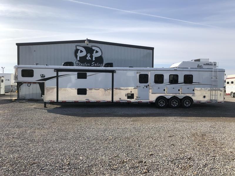 2019 Bison Ranger 4 Horse 19'Living quarter side load
