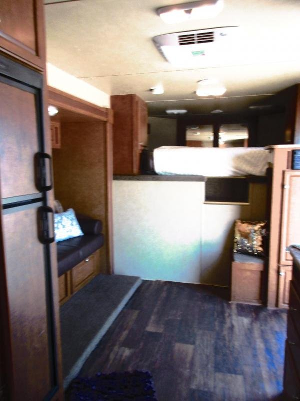 2013 Bison Trailers living quarter 4 Horse Trailer 10 LQ With Slides Slant
