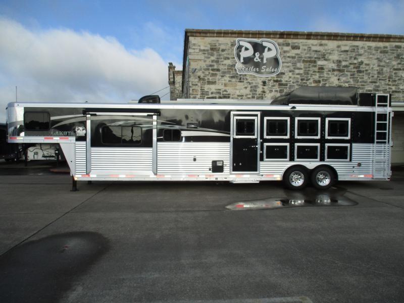 2017 Lakota C8415 4 Horse Trailer 15 LQ With Slides Slant
