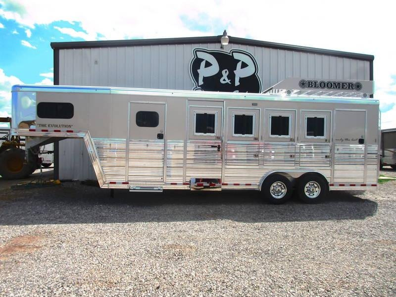 2019 Bloomer Trailers 4 Horse Trainers