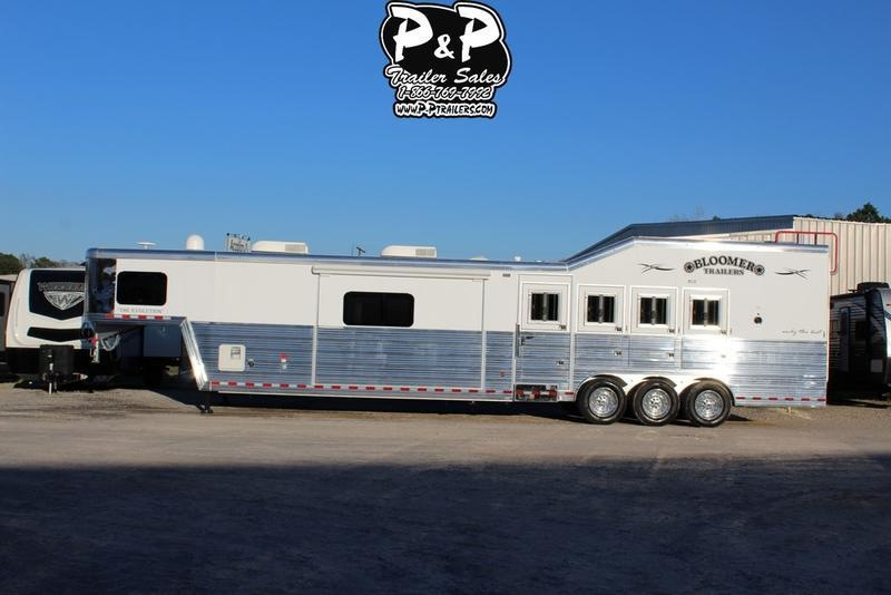 2019 Bloomer Trailers 4 Horse 17'4SW PC Load Trailer