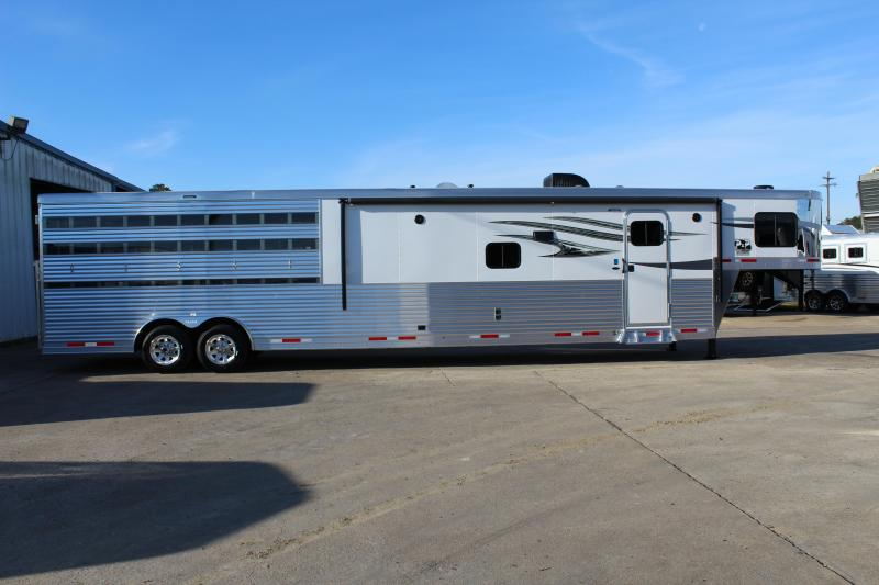 2019 Lakota Trailers Charger LE81415 15' Living Quarter 14' Stock
