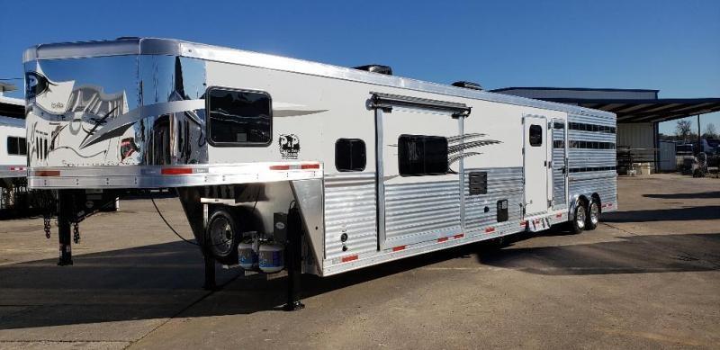 2019 Lakota Trailers Charger LE81415 15' Living Quarter 14' Stock