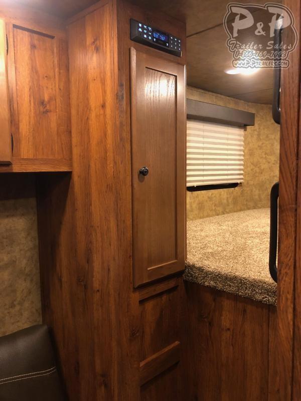 2020 Lakota AC411NS 4 Horse Slant Load Trailer 11 LQ