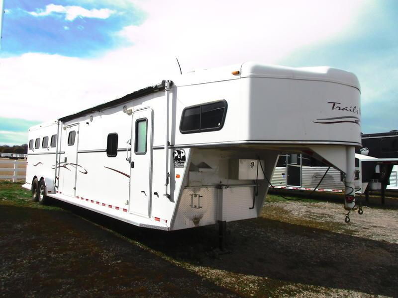 2005 Trails West 4 Horse 11' Shortwall