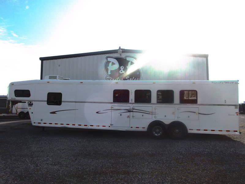 2005 Trails West 4 Horse 11' Shortwall in Ashburn, VA