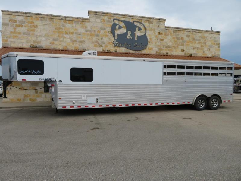 2015 Sundowner Trailers 8009 Stock Combo 31' Livestock Trailer LQ