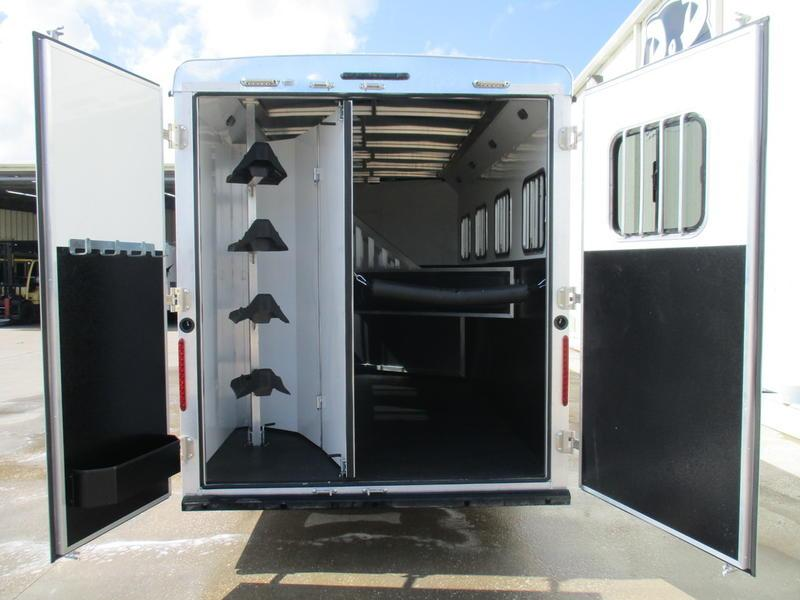 2019 Bison Trail Boss Slide-Out 7411TBSO 4 Horse 11' Short Wall w/Slide-out