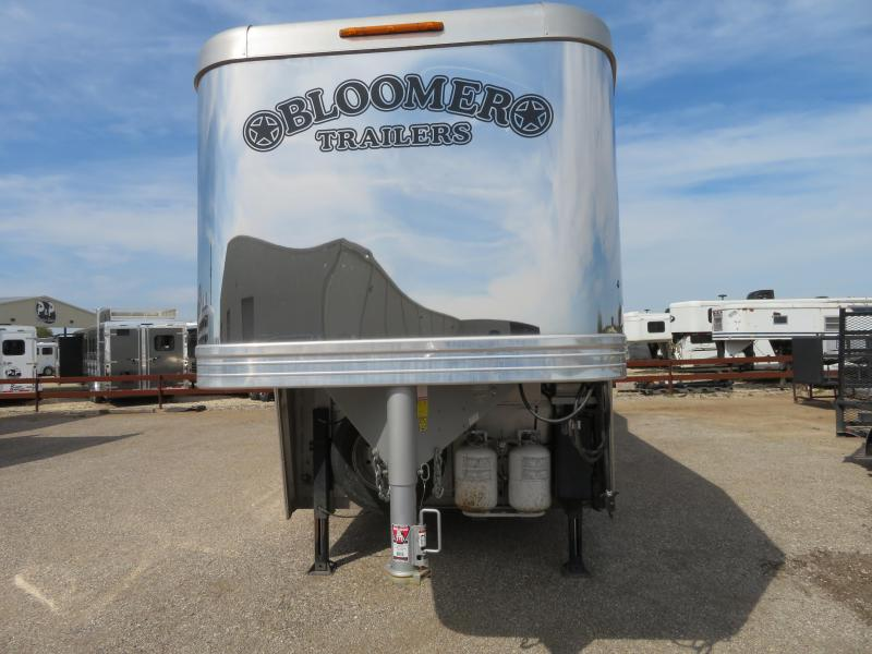 2016 Bloomer Trailer Manufacturing 3H 16ft SW Horse Trailer