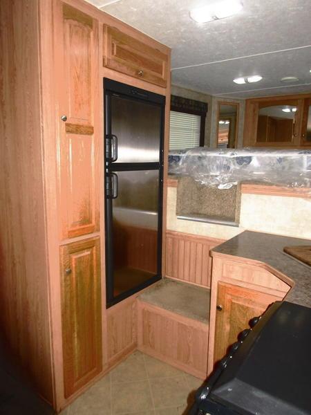 2007 Bison 8313TESL 3 Horse 13' Shortwall