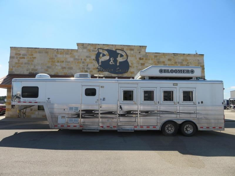 2009 Bloomer 8410 Horse Trailer 10 LQ
