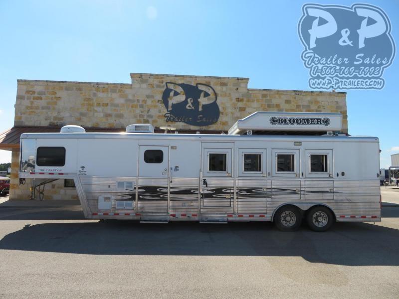 2009 Bloomer 8410 Horse Trailer 10 LQ