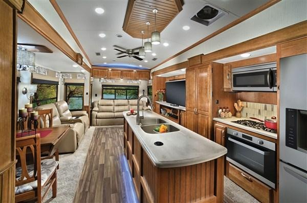 2019 Forest River Cardinal 3850RLX 39.50' Fifth Wheel Campers LQ