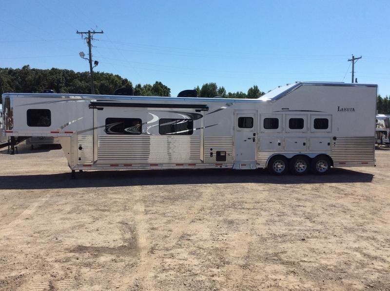 2019 Lakota Trailers BH8418TCERSL