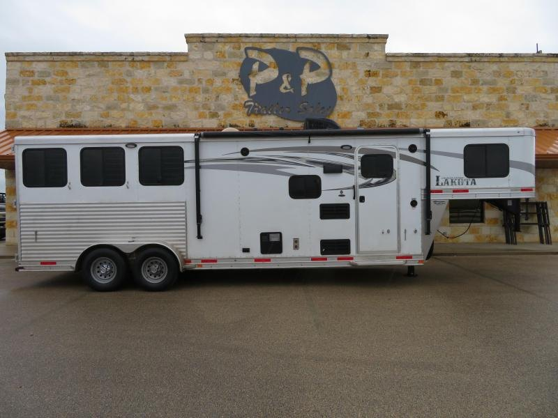 2017 Lakota 3 Horse 9 ft Short Wall Horse Trailer