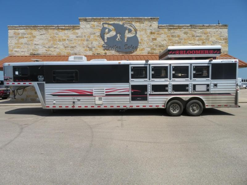 2000 Bloomer 8413 4 Horse Trailer 13' LQ Slant