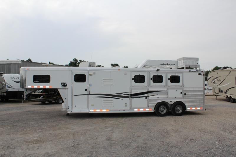 2010 Cimarron Trailers Horse Trailer