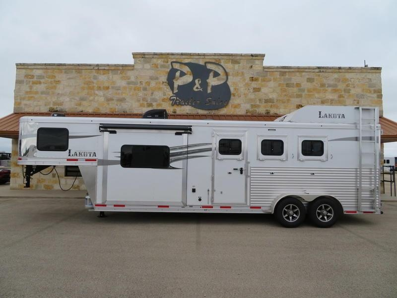 2019 Lakota Trailers 3 Horse 9 FT SW with Slide Out