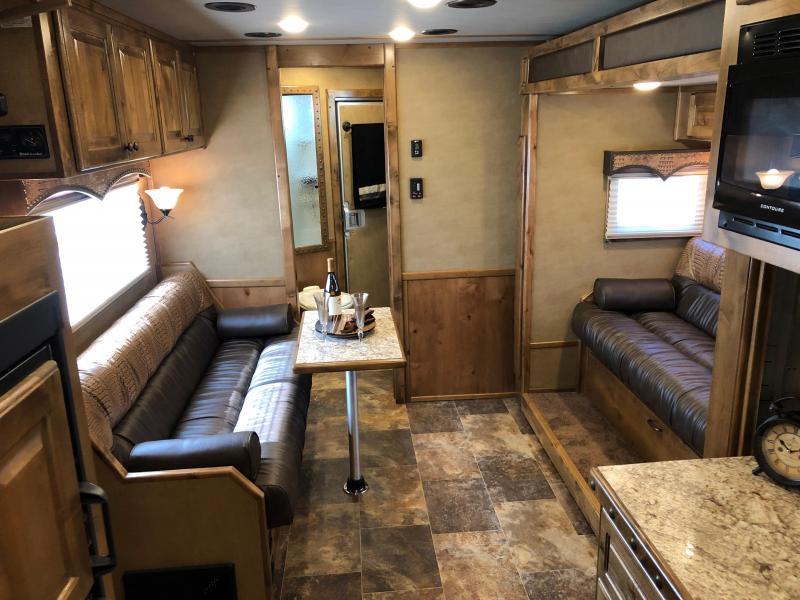 2019 Platinum Coach 8415RLOL  4H 15' LQ