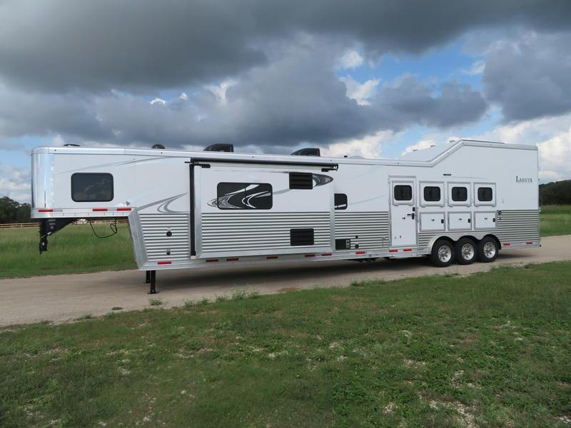 2019 Lakota Trailers Bighorn 4 Horse 19' Short Wall